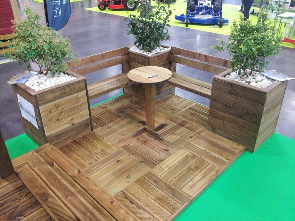 jardini re et caillebotis en bois pour mobil home mod le jardini re et caillebotis bois pour. Black Bedroom Furniture Sets. Home Design Ideas
