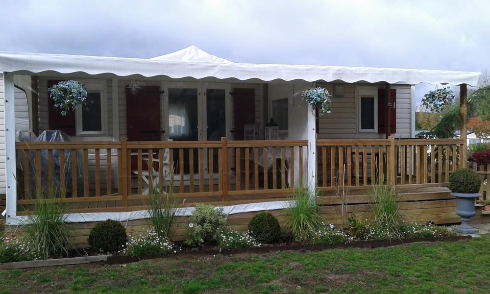 terrasse en bois couverte pour mobil home mod le b che. Black Bedroom Furniture Sets. Home Design Ideas