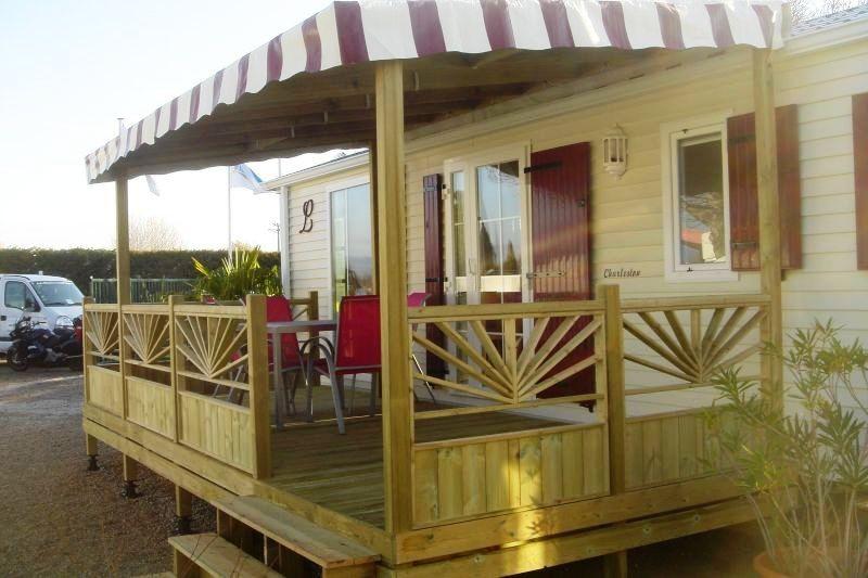 terrasse en bois couverte pour mobil home - modèle bâche - terrasse ...