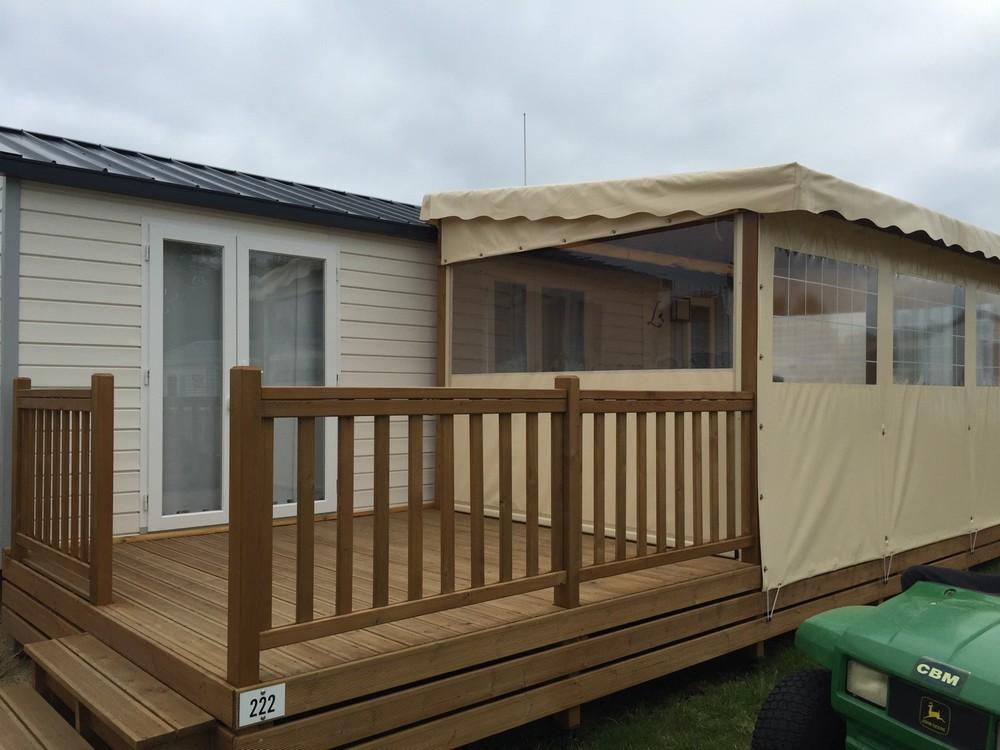 terrasse en bois couverte pour mobil home - modèle bâche ...